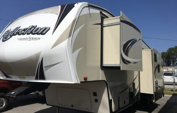 2017 Reflection Fifth Wheel 311BHS